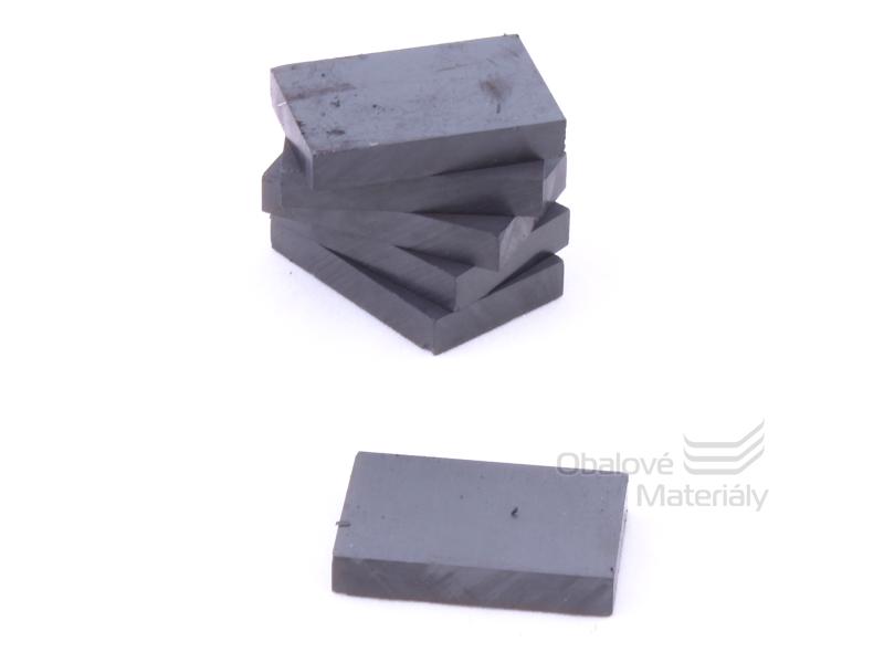 Magnet hranatý ferit 10ks,30*20 mm / tl. 5 mm - černý